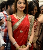 pranitha-photos-at-kalamandir-new-showroom-launch-1