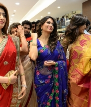 pranitha-photos-at-kalamandir-new-showroom-launch-11