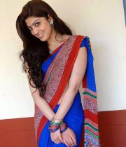 pranitha-latest-hot-photos-in-saree-13