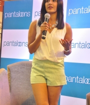 priya-anand-at-pantaloons-store-launch1