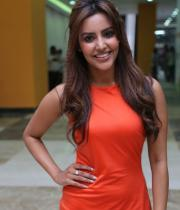 priya-anand-launches-ton0i-guy-salon-photostills-gallery-1_s_650
