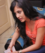 priya-banerjee-latest-photos-orange-tshirt-7