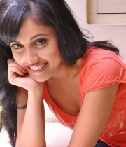 priya-banerjee-latest-photos-orange-tshirt-9