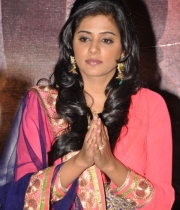 priyamani-at-chandi-movie-platinum-disc-10