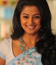 priyamani-latest-saree-stills-1