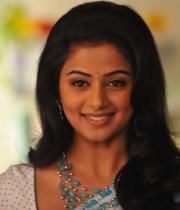 priyamani-latest-saree-stills-13