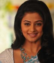 priyamani-latest-saree-stills-14