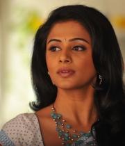 priyamani-latest-saree-stills-15