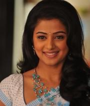 priyamani-latest-saree-stills-3