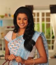 priyamani-latest-saree-stills-7