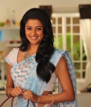 priyamani-latest-saree-stills-8