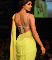 priyanka-chopra-hot-back-show-images-03