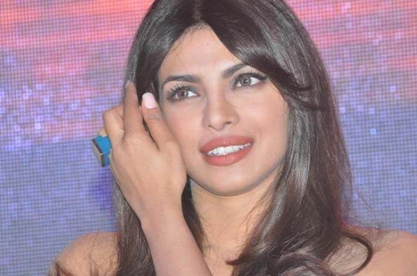 priyanka-chopra-hot-images-at-toofan-trailer-launch-01