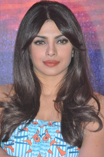priyanka-chopra-hot-images-at-toofan-trailer-launch-02