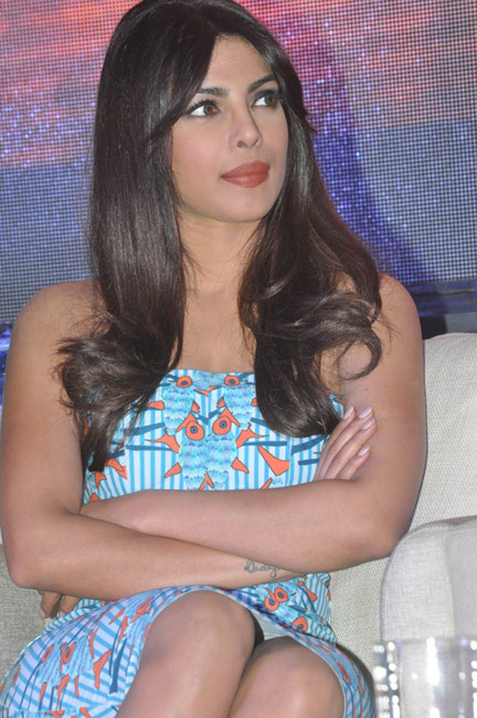 priyanka-chopra-hot-images-at-toofan-trailer-launch-08