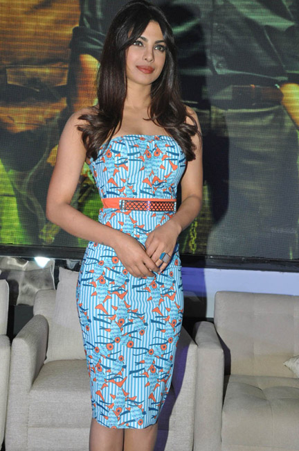 priyanka-chopra-hot-images-at-toofan-trailer-launch-17