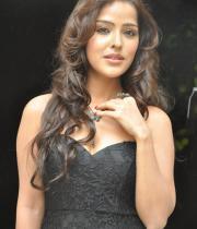 priyanka-chabra-hot-images-11