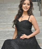 priyanka-chabra-hot-images-15