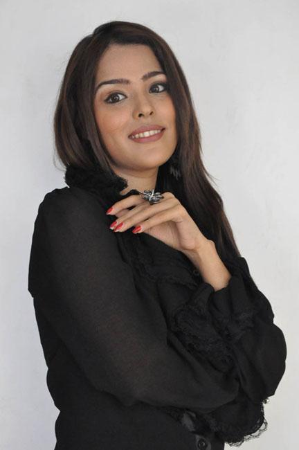 priyanka-chhabra-new-photos-02