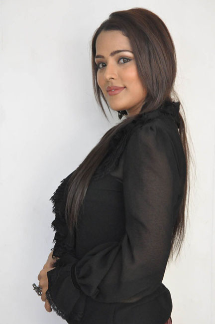 priyanka-chhabra-new-photos-04