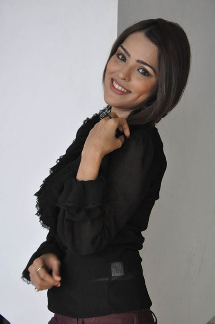priyanka-chhabra-new-photos-05
