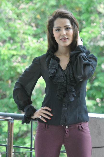 priyanka-chhabra-new-photos-09
