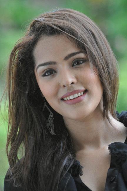 priyanka-chhabra-new-photos-18
