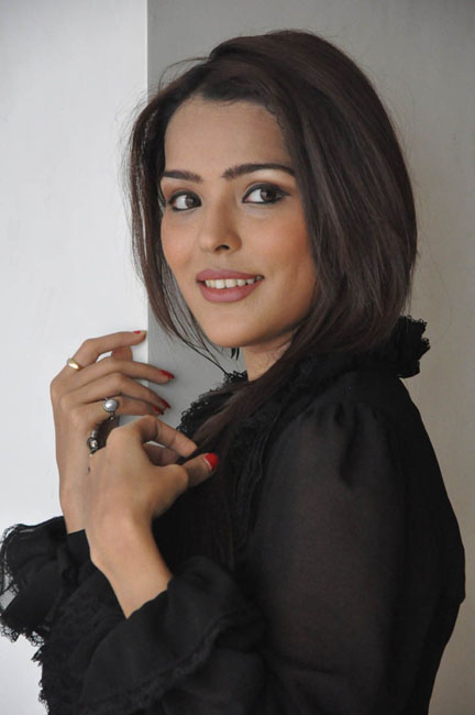 priyanka-chhabra-new-photos-19