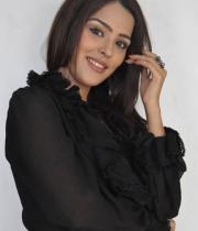 priyanka-chhabra-new-photos-03