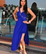 priyanka-shah-hot-photo-stills-at-kingfisher-fashion-week-event-20