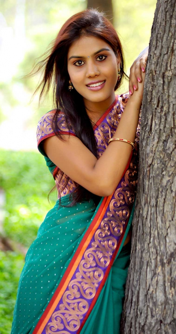 radhika-reddy-hot-saree-stills-01