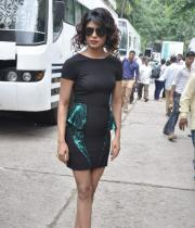 ram-charan-and-priyanka-chopra-on-jhalak-dikhla-jaa-07