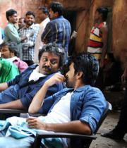 ram-charan-naayak-working-stills-1054