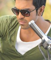 ram-charans-yevadu-movie-stills-5