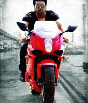 yevadu-movie-stills-2