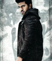 yevadu-movie-stills-3