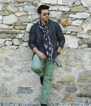 yevadu-movie-new-photos-1
