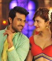 yevadu-movie-new-photos-4