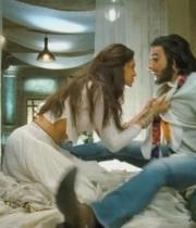 deepika-padukone-hot-stills-with-ranveer-singh-in-ram-leela-movie-5