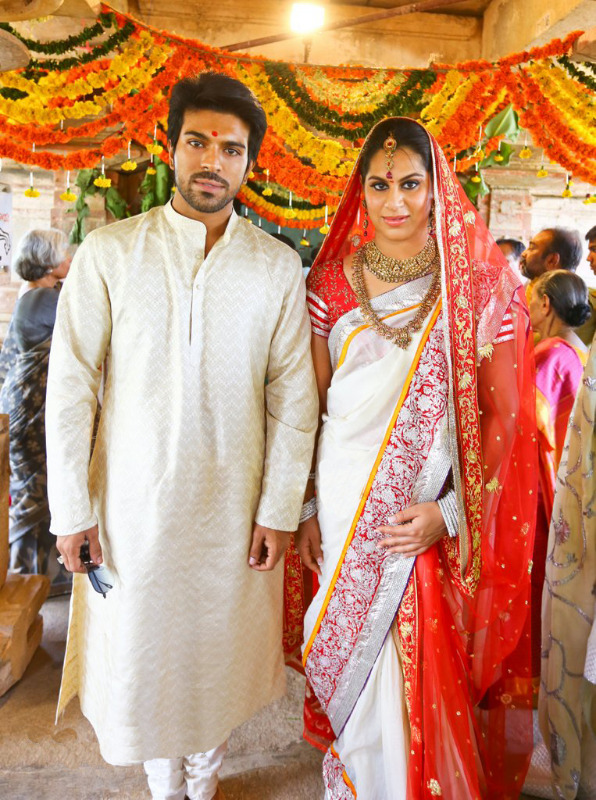 ramcharan-and-upasana-at-domakonda-fort-3