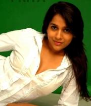 actress-rashmi-gautam-hot-pics1380379804