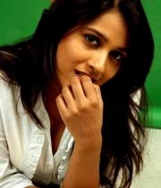 actress-rashmi-gautam11380379804