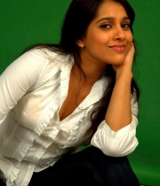 rashmi-gautam-hot-priyamudan-priya1380379805