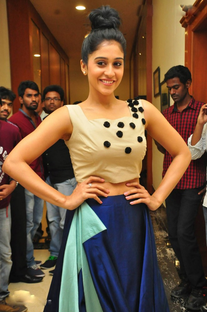 regina-cassandra-photos-at-power-triple-platinum-disc-1