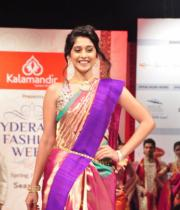 regina-cassandra-ramp-walk-at-hyderabad-fashion-week-1