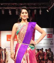 regina-cassandra-ramp-walk-at-hyderabad-fashion-week-2