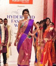 regina-cassandra-ramp-walk-at-hyderabad-fashion-week-21