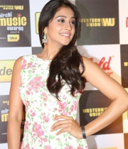 regina-photos-at-mirchi-music-awards-17