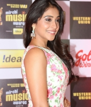 regina-photos-at-mirchi-music-awards-64