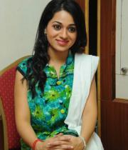 reshma-latest-stills-at-jai-sriram-audio-15